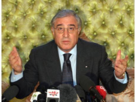 Procura di Palermo: Dell'Utri ricattava Berlusconi