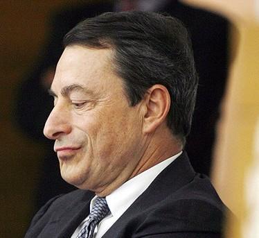 """I mercati """"bocciano"""" Draghi: borse giù, spread a 505"""