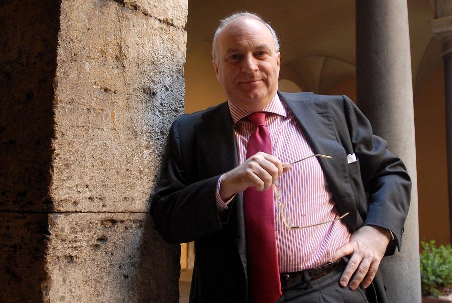 Da Caldoro idea Cisnetto per salvare Pompei