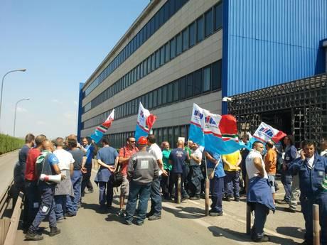 La magistratura sequestra lo stabilimento Ilva, rivolta a Taranto