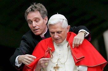 Altri tre corvi in Vaticano, quando l'invidia da peccato diventa reato