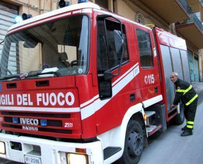 Sono vivi i due anziani sotto le macerie del crollo a Palermo