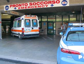 """Senza lavoro e """"tradito"""" dai parenti si dà fuoco a Montecitorio"""