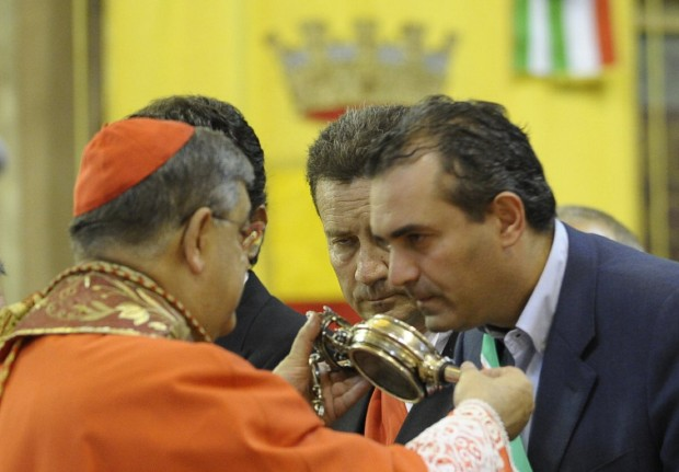 Parco dell'amore, De Magistris fa l'offeso con il cardinale Sepe