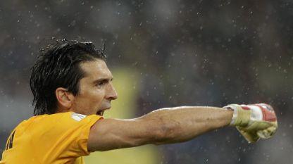 Il Napoli furibondo tace, dalla Juve dedica a Conte