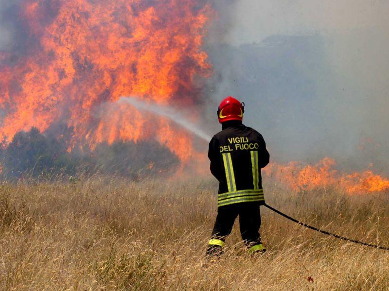 La Campania in fiamme, record di roghi nel Salernitano