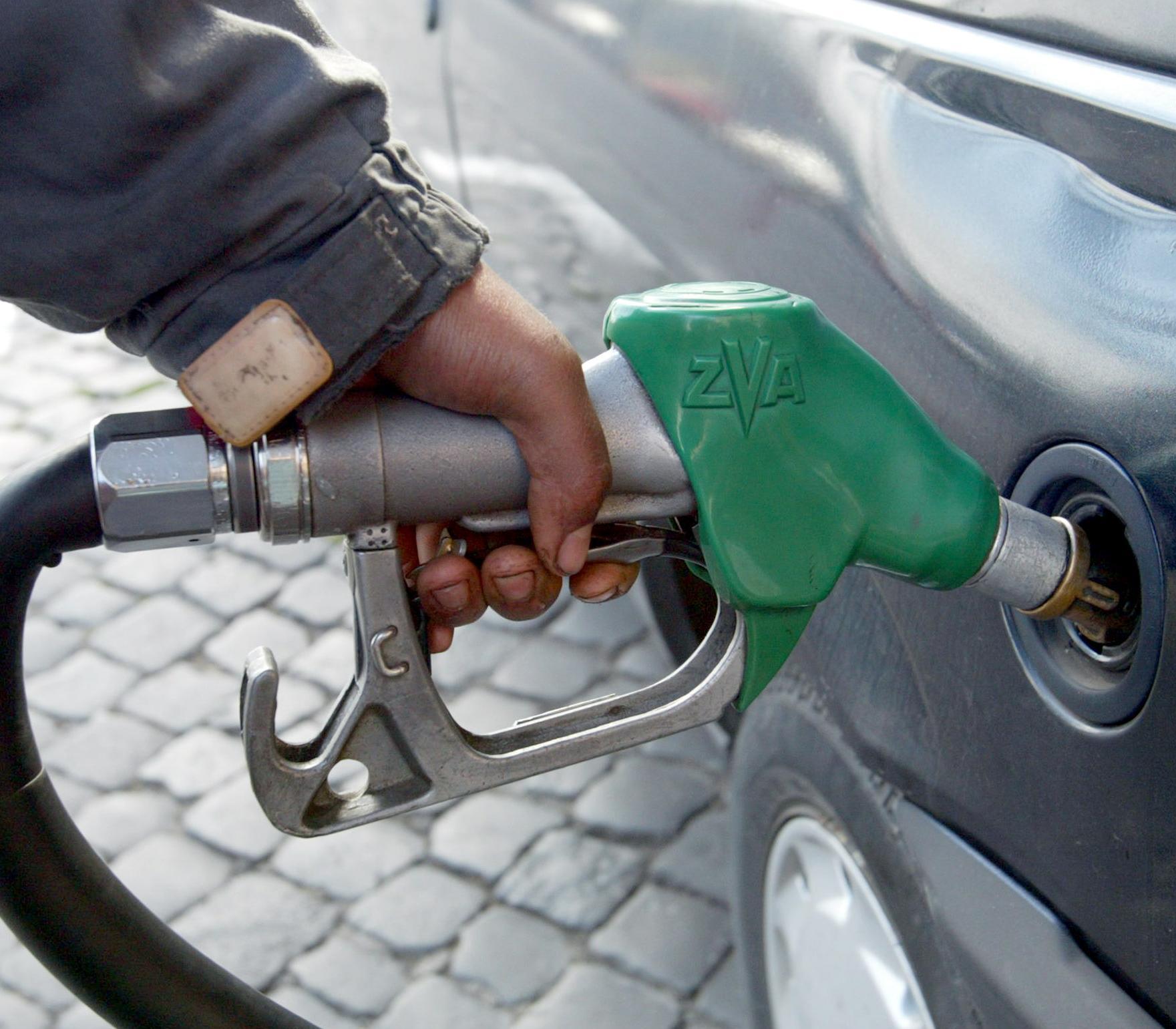 Rientro amaro, in autostrada benzina a quota 1,98