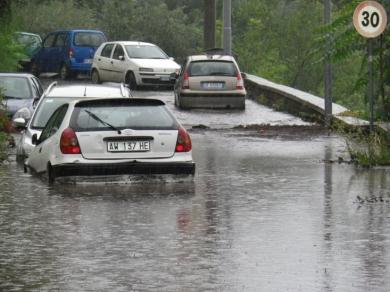 Basta un temporale per fare disastri in Campania: vergogna