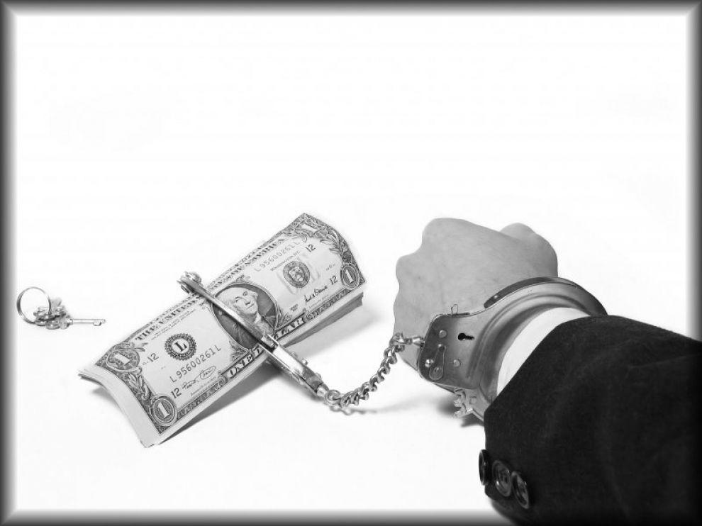 La corruzione sta travolgendo gli argini di libertà e democrazia