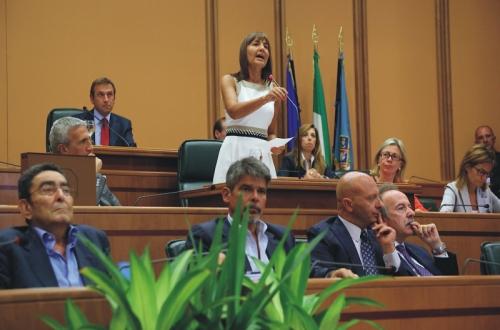 Sceneggiata alla Pisana, la Polverini si dimette ma prima fa le nomine
