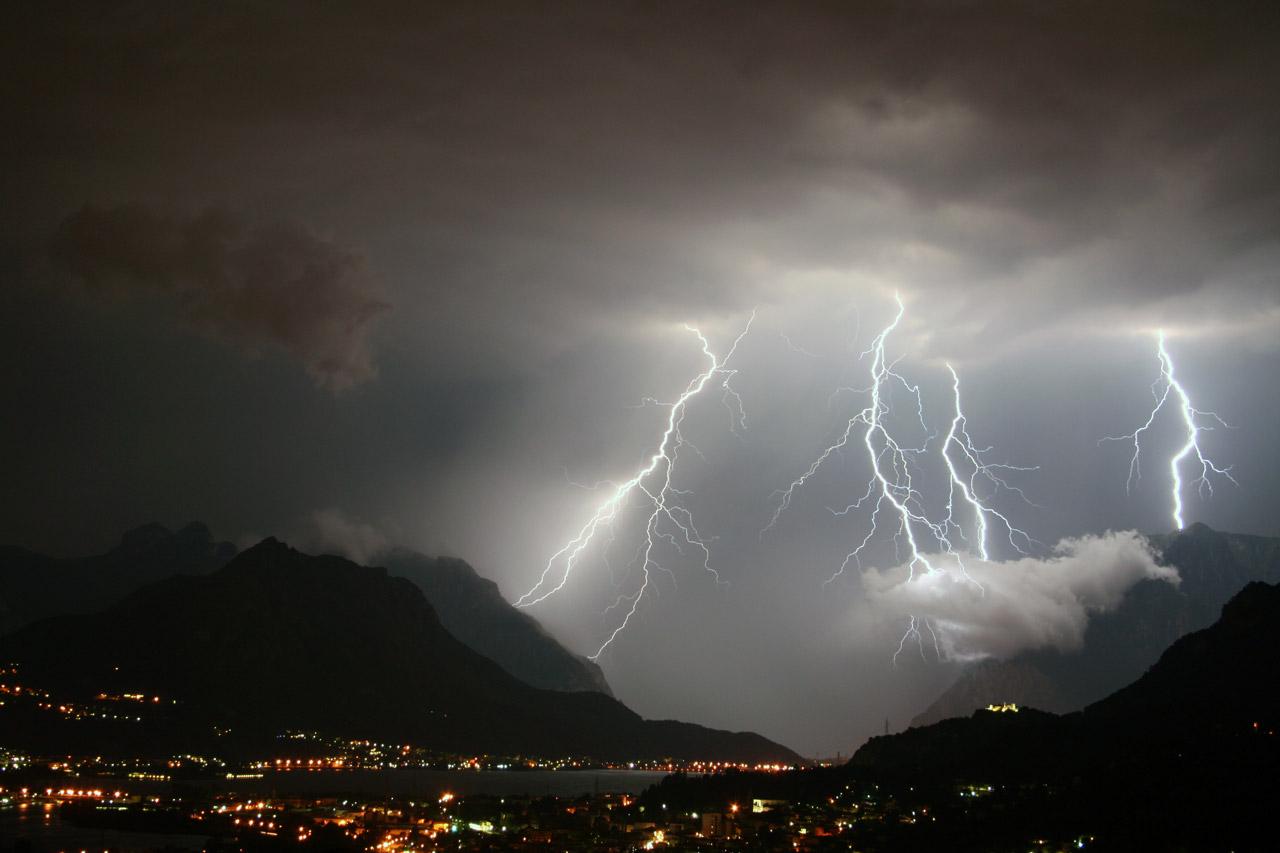 """S.O.S. temporali e vento in Italia, sarà """"inverno"""" fino a giovedì sera"""