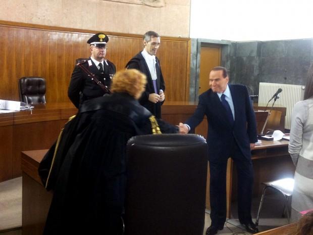 Berlusconi: mai festini, il bunga bunga non esiste