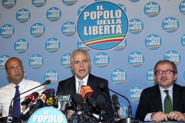 Neanche la 'ndrangheta smonta il Pirellone, Formigoni non se ne va