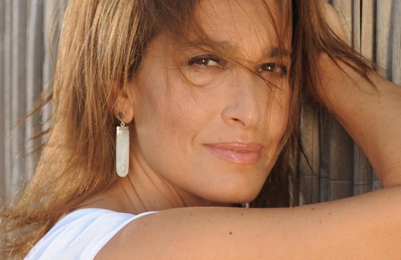 """Cava de' Tirreni, Grazia Di Michele in tour presenta """"Giverny"""""""