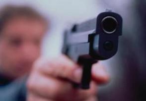 Sorprende ladro a rubare e lo uccide, indagato vigilante