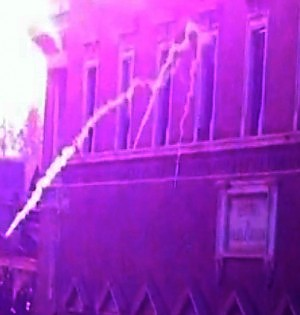 Lacrimogeni dal ministero sui manifestanti, scattano le inchieste