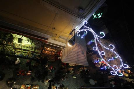 Ecco perché le Luci di De Luca rovinano il Natale di De Magistris
