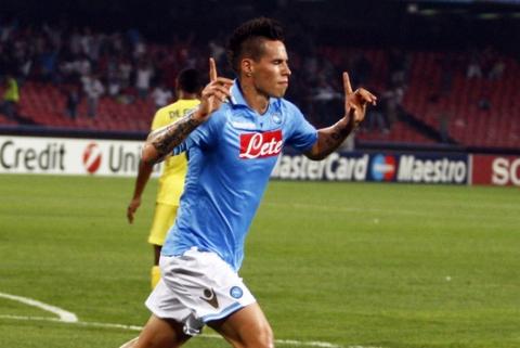 Il Napoli è l'anti-Juve: vince a Cagliari ed è a -2 dal primato