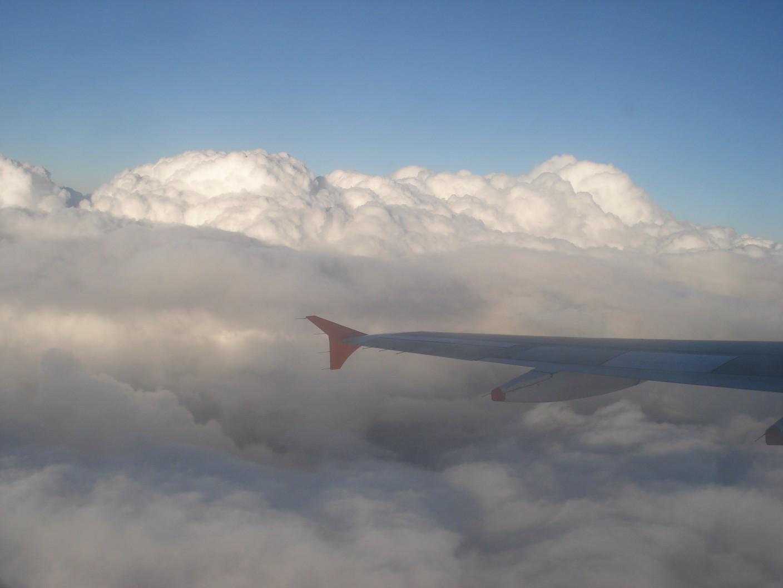 Vuoto d'aria sul volo da Cuba: 35 feriti soccorsi a Malpensa