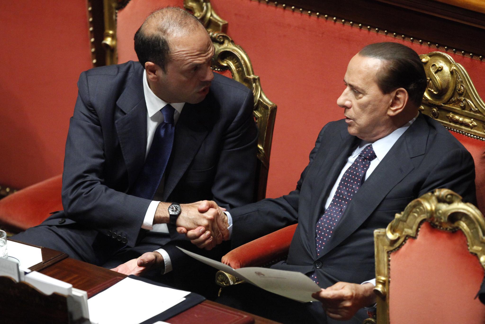 Berlusconi non vuole le primarie poi smentisce ma il Pdl è nel caos