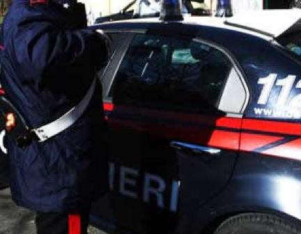 Carabinieri a caccia di droga, armi e latitanti a Napoli