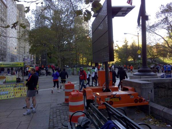 Podisti irriducibili al Central Park simulando la Maratona