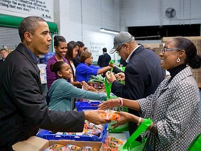 Obama aiuta i senzatetto e Bloomberg lo sostiene