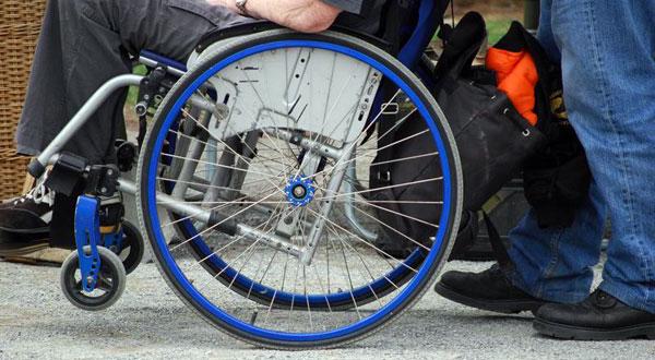 Regione e Comuni non pagano, niente assistenza ai disabili campani