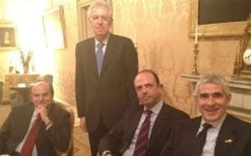 Asse Lega-Berlusconi a Nord, Bersani pensa all'alleanza con l'Udc