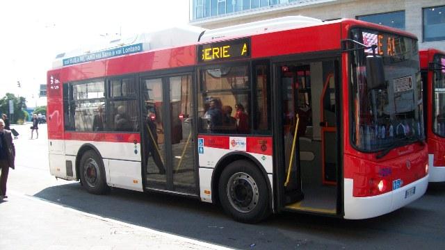 EavBus, ancora senza gasolio i bus. Tutto fermo