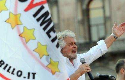 """Grillo apre le sue """"Primarie"""" tra difficoltà e inconvenienti"""