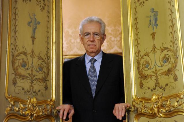 Monti combattuto: candidarsi o aspettare a dopo le elezioni