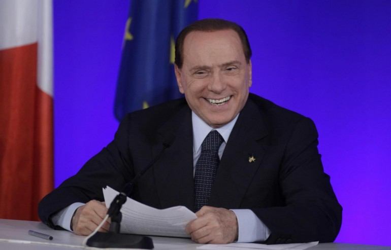 Berlusconi fa il fidanzato e annuncia: vincerò e taglierò Imu e tasse