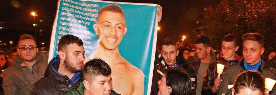 Funerale negato per il giovane Antonio ucciso a Napoli