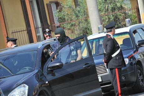 Camorra e racket, arrestati venti affiliati dei Casalesi