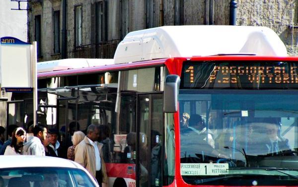 Trasporto pubblico, in Campania sempre peggio tra tagli e aumenti