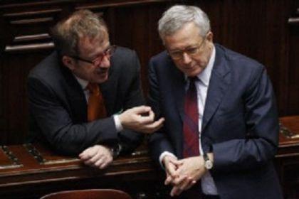 Accordo Pdl-Lega ma Maroni propone Tremonti premier