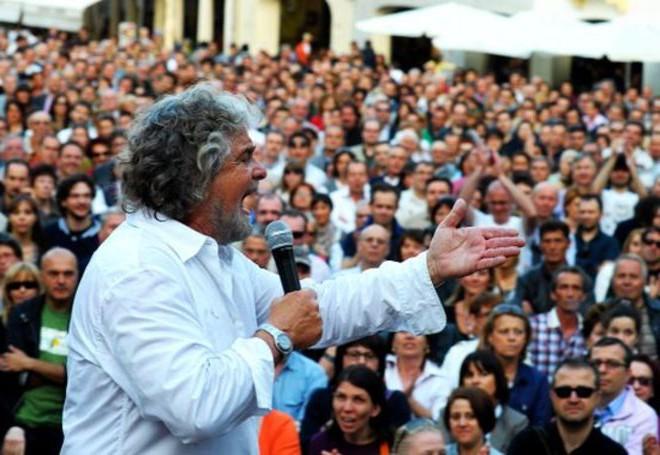 Grillo: giornalisti inattendibili perché precari e malpagati