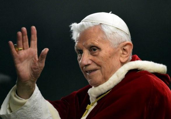 La grande lezione laica del passo indietro di un papa