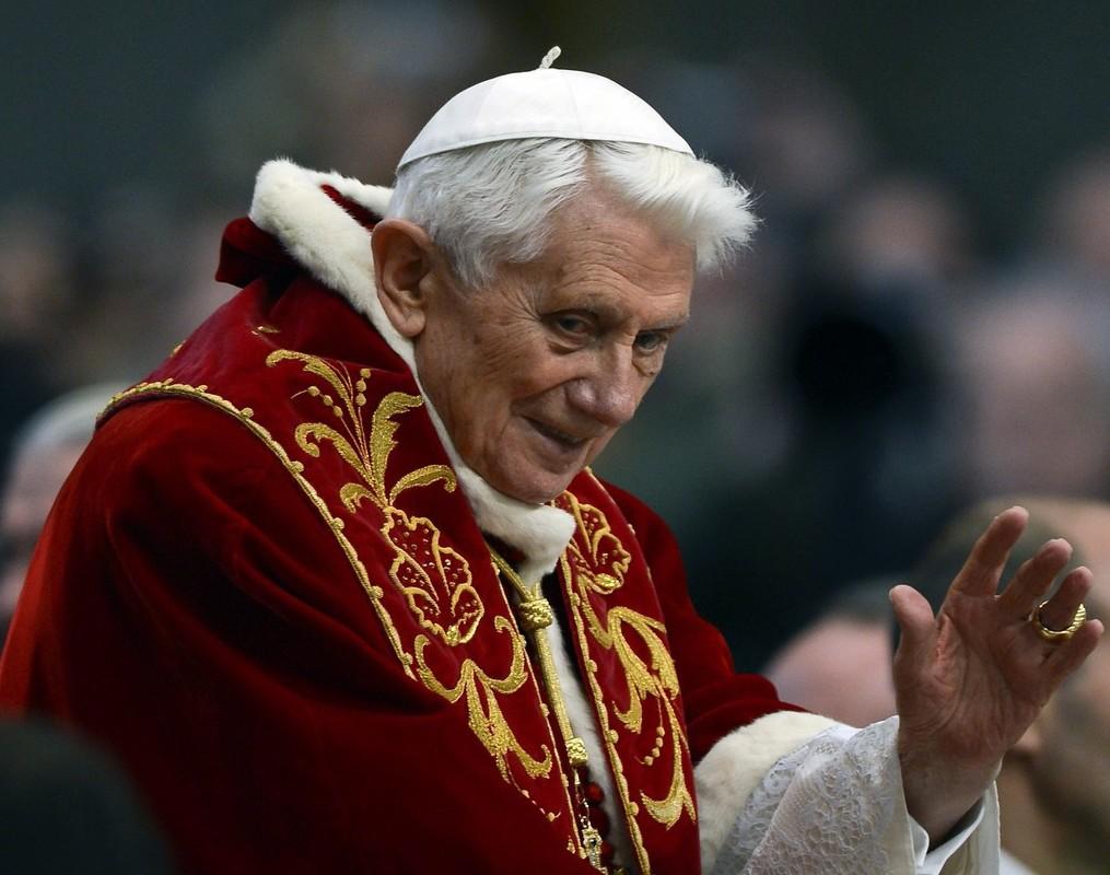 Papa emerito, un ex che nella Chiesa riparte da zero