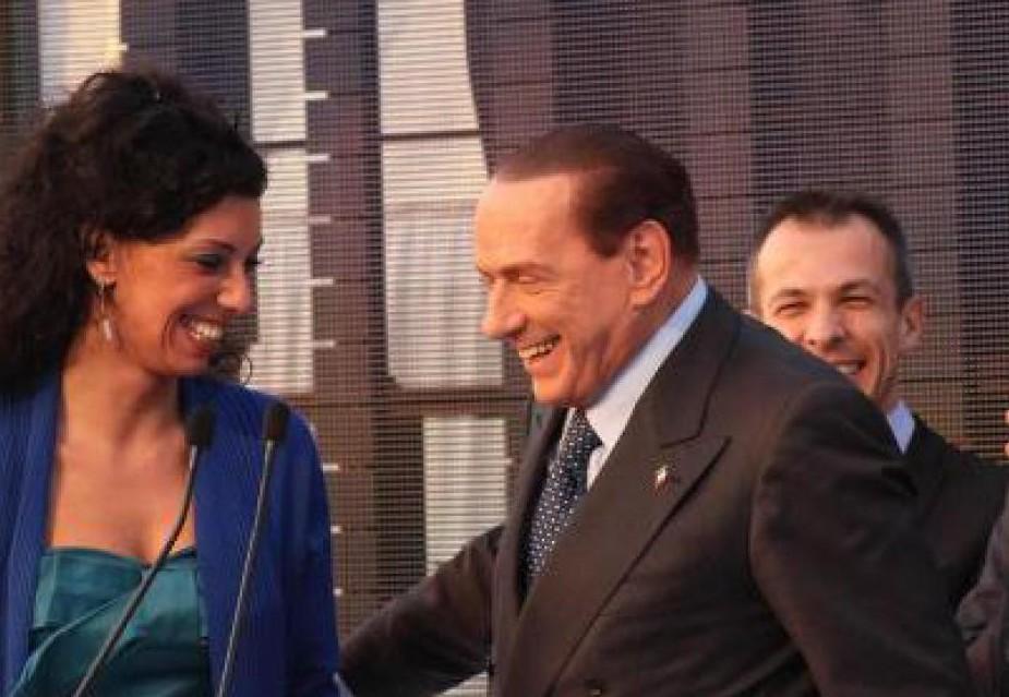 Il circo mediatico adotta e trita tutti: anche Angela Bruno sbarca in tv