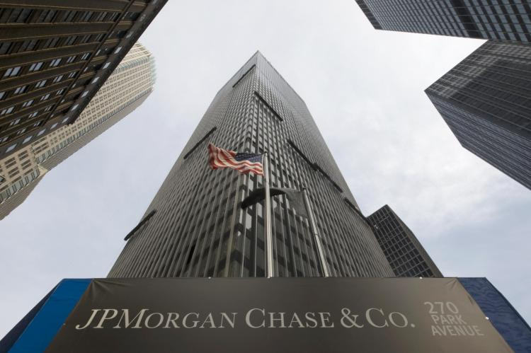 JP Morgan all'Europa: troppo socialismo non fa bene alla crisi