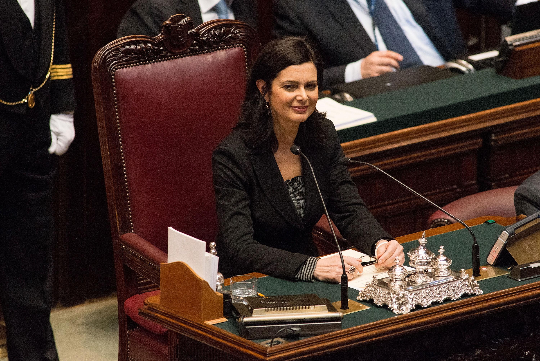 Laura Boldrini modello di femminilità e di potere in rosa