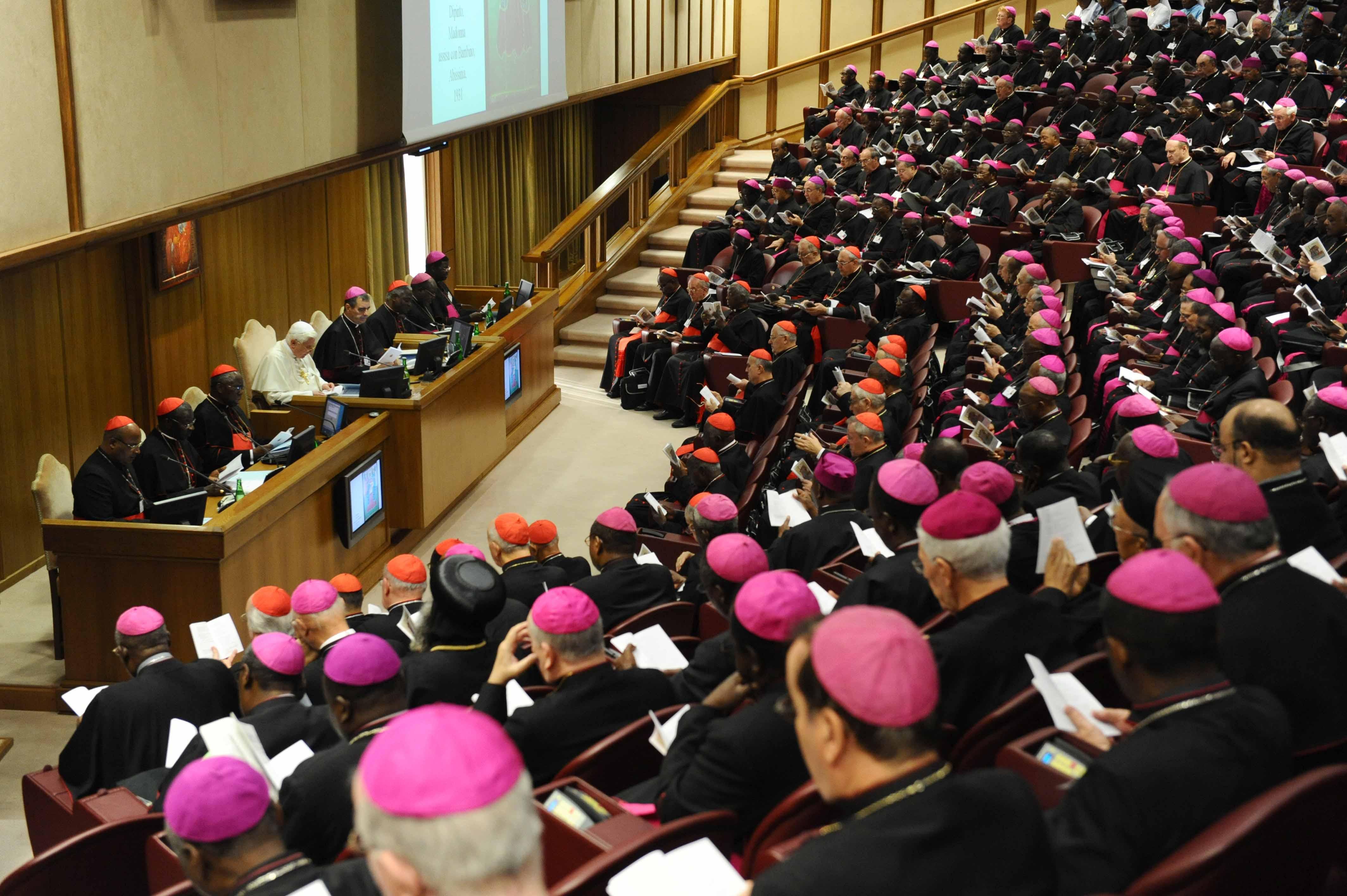 La svolta della Chiesa e l'affanno dei partiti