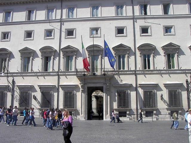 Legalità, legittimazione e fattore Berlusconi