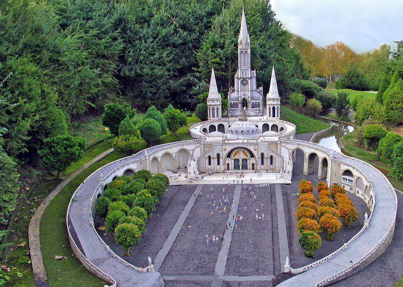 Perché G8 o G20 non si riuniscono a Lourdes?