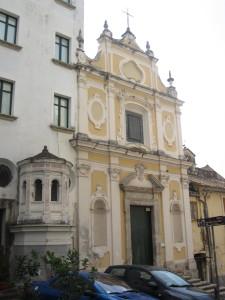 2112px-Salerno_-_Chiesa_dell'Anunziatella