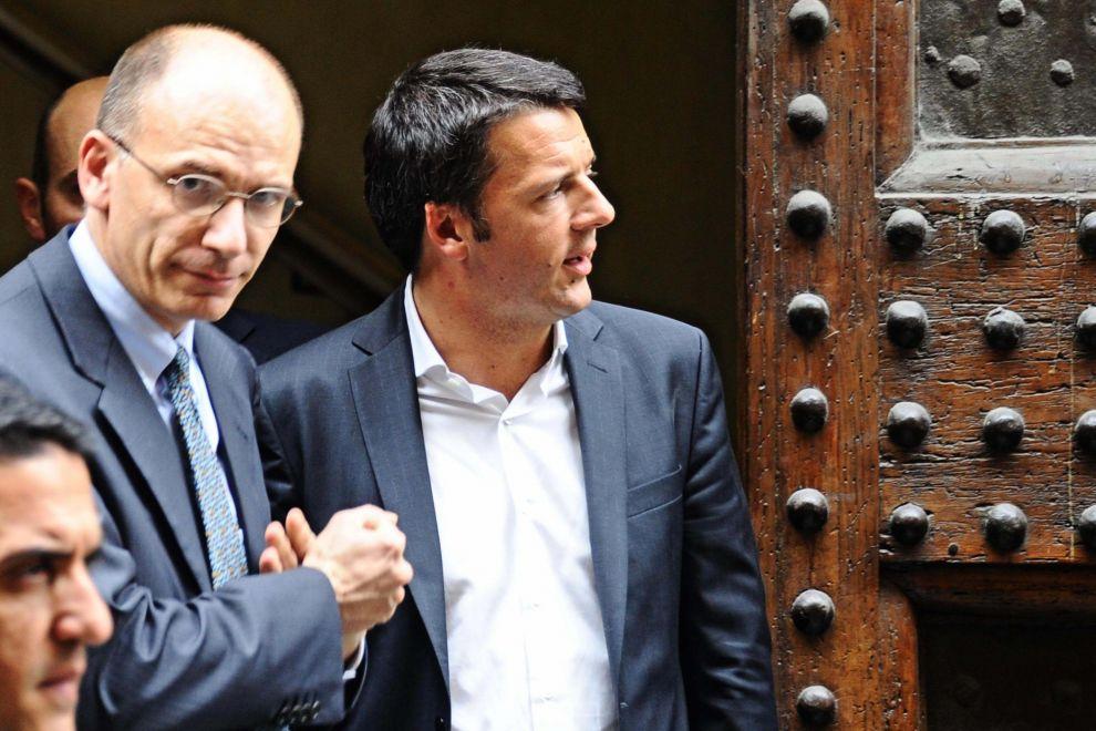 Letta senza maschera saluta Renzi