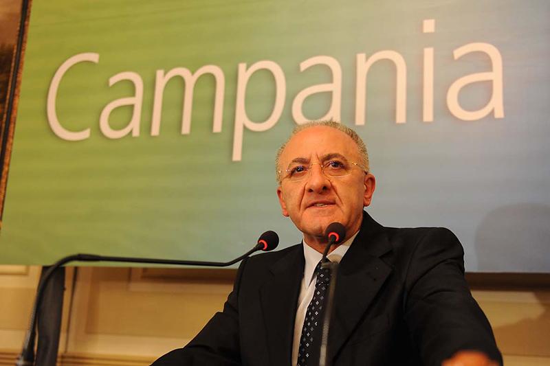 È un bluff la risposta di De Luca a Saviano sulle liste inquinate