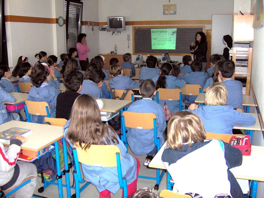 Basta scuole dell'orrore